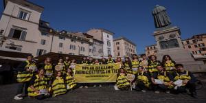 15-6-2013- Rome, Italy. Greenpeace volunteers.