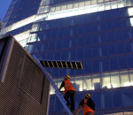 Greenpeace: Ice Climbing sullo shard di Londra