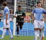 La gioia del Sassuolo dopo il pareggio con la Lazio. Ma è la Roma a dominare il campionato