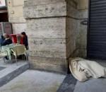 Muore Clochard a Napoli