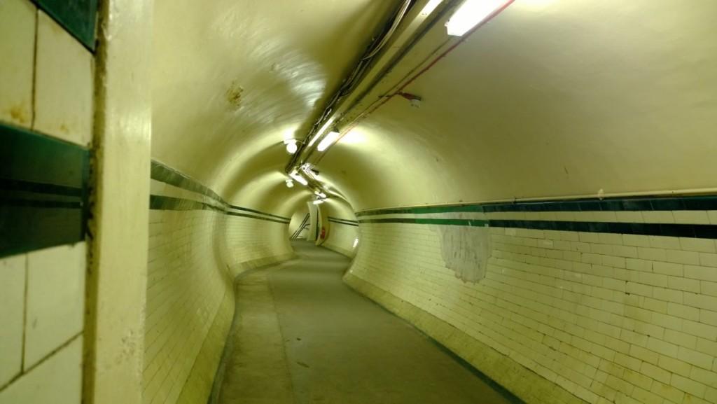 stazioni fantasna metripolitana Londra