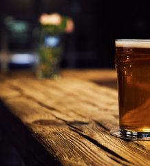 bicchiere di birra senza glutine