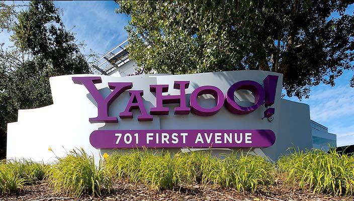 Yahoo! abbandona l'Italia