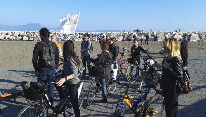 I bike Naples visitare napoli in bici