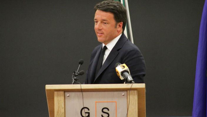 Matteo Renzi e la battuta infelice sui contestatori abbruzzesi